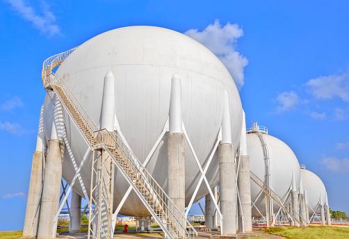 Chemical「Sphere gas tanks on Petrochemical Plant」:スマホ壁紙(5)