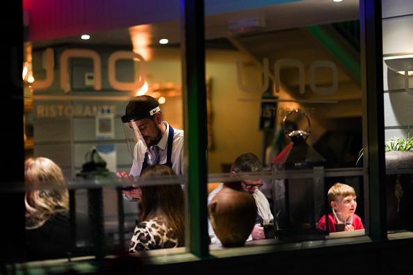Waiter「Middlesbrough Mayor Leads Criticism Of Strict Lockdown Measures」:写真・画像(16)[壁紙.com]