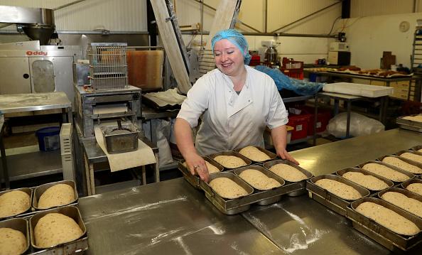 Loaf of Bread「UK In Sixth Week Of Coronavirus Lockdown」:写真・画像(6)[壁紙.com]