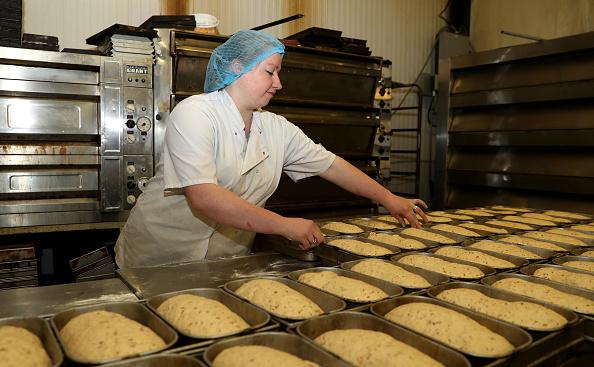 Loaf of Bread「UK In Sixth Week Of Coronavirus Lockdown」:写真・画像(12)[壁紙.com]