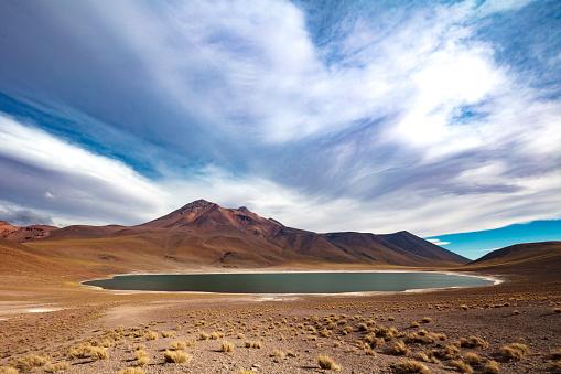 火山「Laguna Miñiques located in Atacama desert at 4,140m altitude, Chile, January 19, 2018」:スマホ壁紙(6)