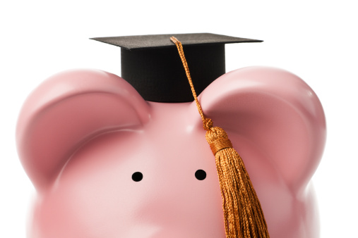 Mortarboard「Loan for University Education Finance Planning in Piggy Bank Savings」:スマホ壁紙(8)
