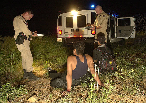 BORSTAR Agents Save Illegal Immigrants In Desert:ニュース(壁紙.com)