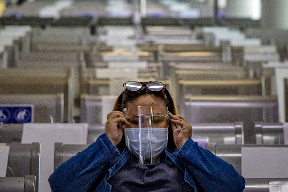 Protection「Philippines Slowly Re-Opens For Domestic Travellers During Coronavirus Pandemic」:写真・画像(12)[壁紙.com]