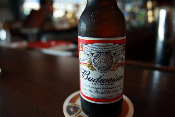 Bottle「Anheuser-Busch Approaches Mexican Beer Company Day After Bid From InBe」:写真・画像(19)[壁紙.com]