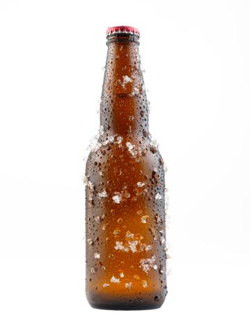 Frozen「Bottle Of Beer Covered in Ice」:スマホ壁紙(8)