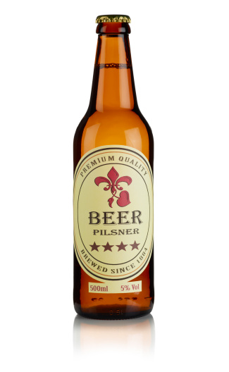 Bottle「Bottle of Beer with custom label and clipping path」:スマホ壁紙(8)
