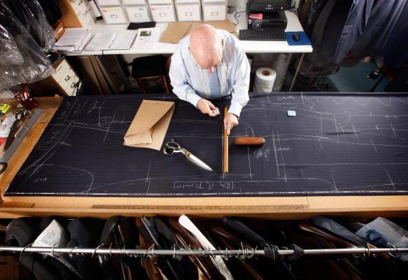 Customized「Bespoke Tailors Work On Savile Row」:写真・画像(4)[壁紙.com]