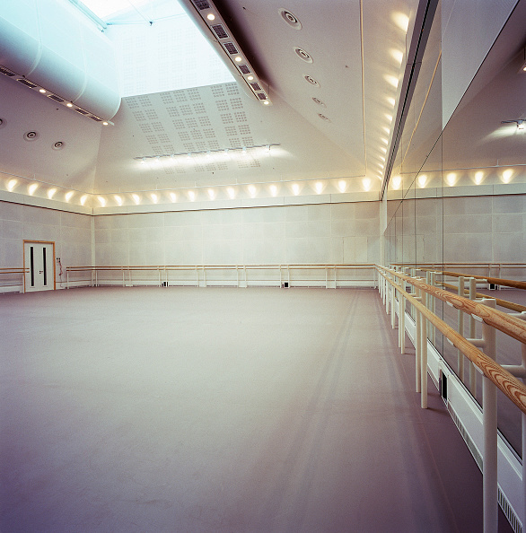 Rehearsal「Ballet rehearsal studio in the Royal Opera House Covent garden, London, United Kingdom」:写真・画像(3)[壁紙.com]