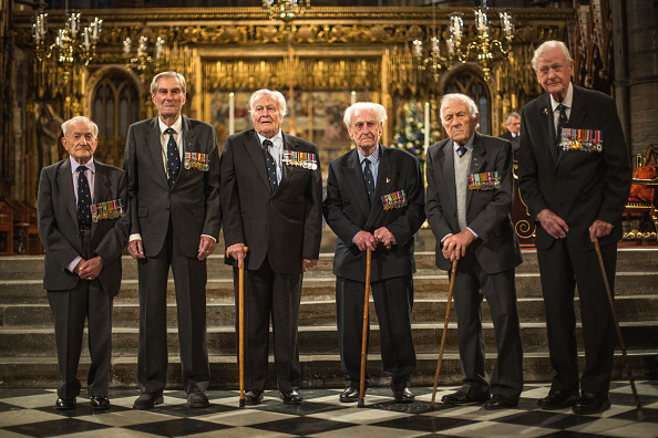 Veteran「A Private Moment Between Veterans Before The Battle Of Britain Service」:写真・画像(19)[壁紙.com]