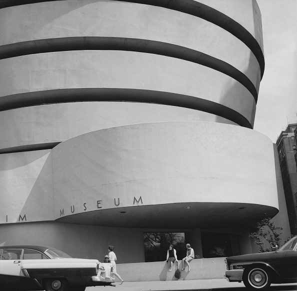 Only Young Women「Outside The Guggenheim」:写真・画像(15)[壁紙.com]
