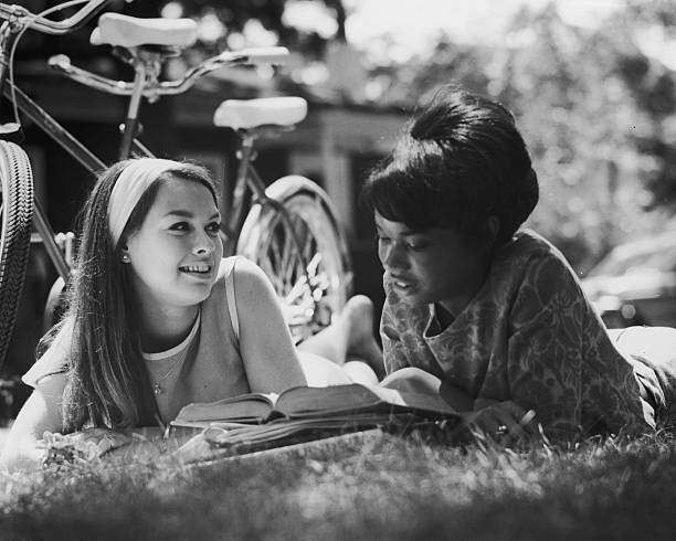 Summer Reading:ニュース(壁紙.com)