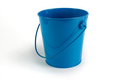 Bucket「Blue tin pale isolated on white」:スマホ壁紙(6)