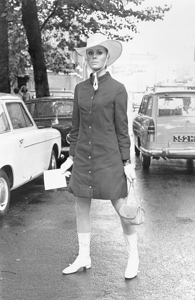 Wedding Invitation「Joanna Lumley」:写真・画像(5)[壁紙.com]