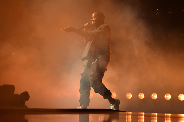 Kanye West - Musician「2015 iHeartRadio Music Festival - Night 1 - Show」:写真・画像(14)[壁紙.com]