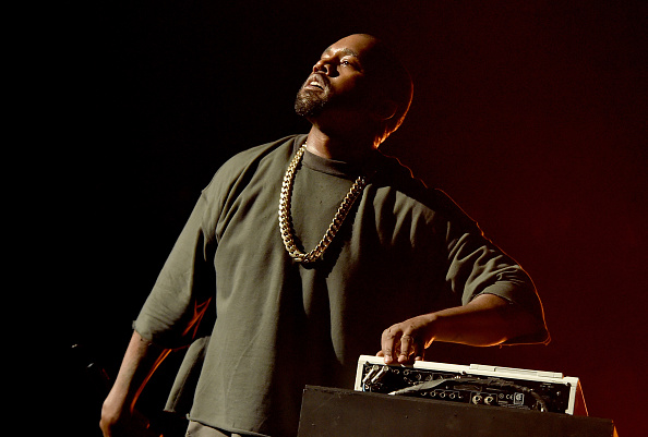 Kanye West - Musician「2015 iHeartRadio Music Festival - Night 1 - Show」:写真・画像(2)[壁紙.com]