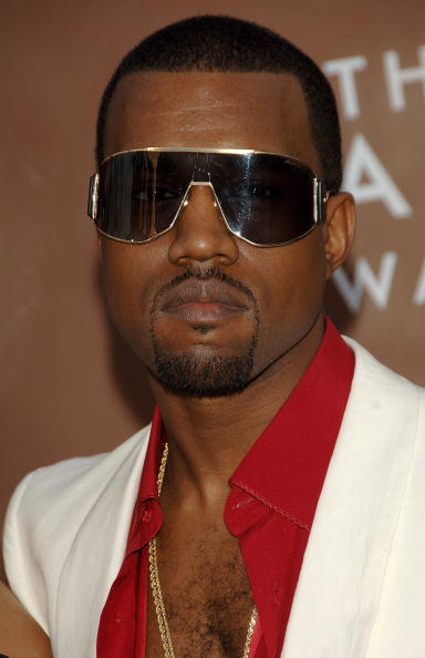 Kanye West - Musician「48th Annual Grammy Awards - Arrivals」:写真・画像(1)[壁紙.com]