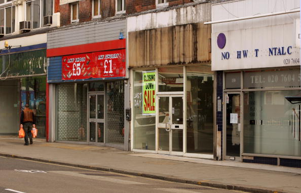 City Street「High Street Shops Stand Empty As Recession Bites」:写真・画像(3)[壁紙.com]
