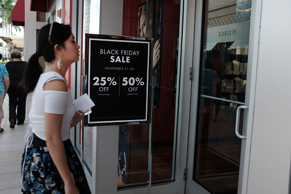 Naples - Florida「Shoppers Look For Deals On Black Friday」:写真・画像(9)[壁紙.com]