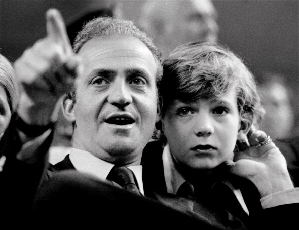 Felipe VI of Spain「Spain's King Juan Carlos Announces Plans To Abdicate After 39 Year Reign」:写真・画像(6)[壁紙.com]