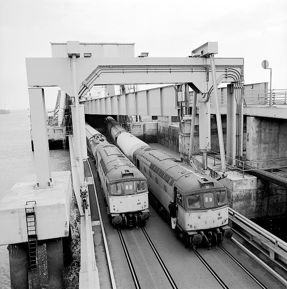 Ferry「Freight Trains carrying goods onto a ferry」:写真・画像(10)[壁紙.com]