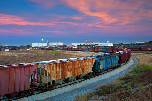 Train - Vehicle「Freight Trains And Grain Elevators, Kansas」:スマホ壁紙(13)