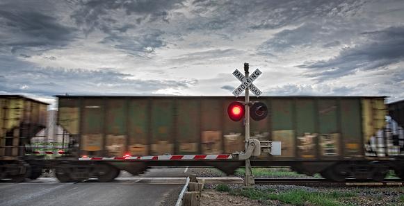 Road Marking「Freight train and railroad crossing」:スマホ壁紙(3)