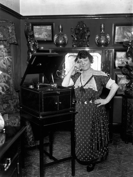 Vaudeville「Marie Lloyd At Home」:写真・画像(17)[壁紙.com]