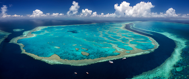 Pacific Ocean「Aerial image, Great Barrier Reef, Australia」:スマホ壁紙(10)