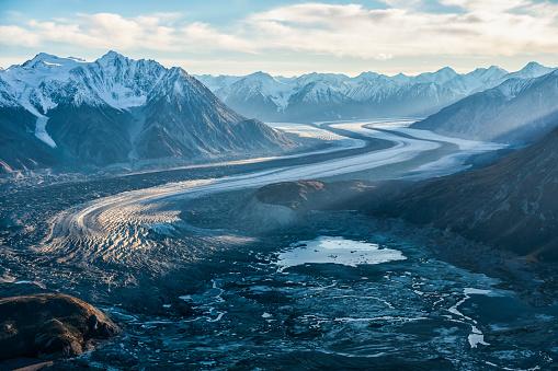 Kaskawulsh Glacier「Aerial image of the Saint Elias mountains and Kaskawulsh Glacier in Kluane National Park and Reserve」:スマホ壁紙(8)