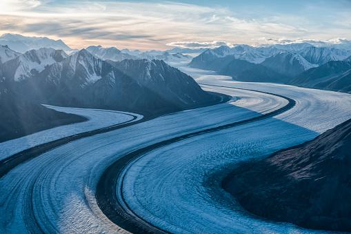 Kaskawulsh Glacier「Aerial image of the Saint Elias mountains and Kaskawulsh Glacier in Kluane National Park and Reserve」:スマホ壁紙(9)