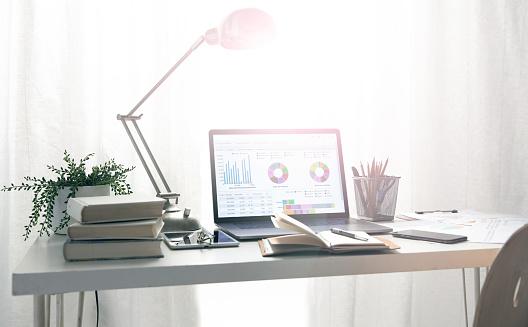 Desk Lamp「The desk of office supplies」:スマホ壁紙(10)