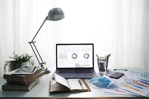 Desk Lamp「The desk of office supplies」:スマホ壁紙(15)
