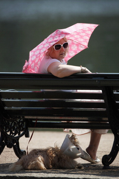 Overcast「Visitors Enjoy The Warm Weather In Hyde Park」:写真・画像(11)[壁紙.com]