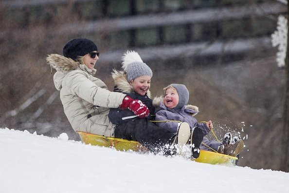Sled「Another Major Snowstorm Blasts Boston Area」:写真・画像(3)[壁紙.com]