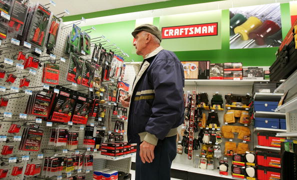 Craftsperson「New Revamped Kmart Stores To Sell Sears Brands」:写真・画像(12)[壁紙.com]