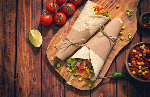 Taco「Homemade Tortilla Wraps With Meat And Vegetables」:スマホ壁紙(19)