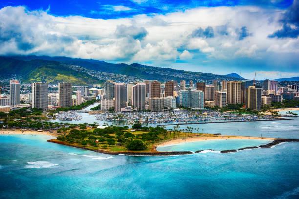 Skyline Aerial of Honolulu Hawaii:スマホ壁紙(壁紙.com)