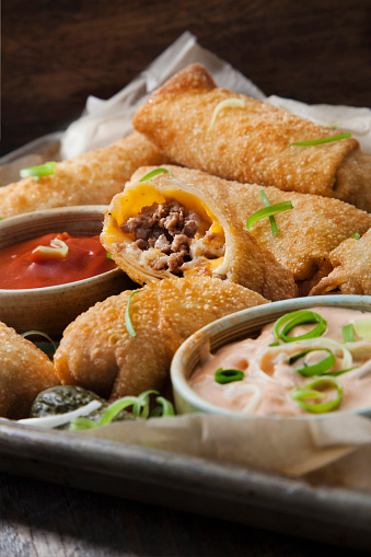 Chili Sauce「Cheeseburger Egg Rolls with Ketchup and a Spicy Mayo Dipping Sauce」:スマホ壁紙(7)