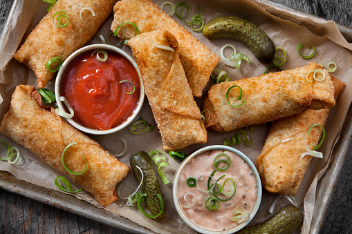 Chili Sauce「Cheeseburger Egg Rolls with Ketchup and a Spicy Mayo Dipping Sauce」:スマホ壁紙(8)