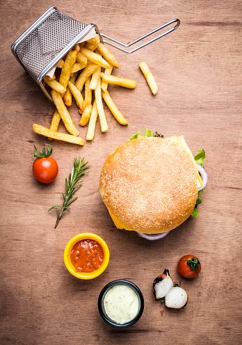 Hamburger「Cheeseburger and french fries」:スマホ壁紙(15)