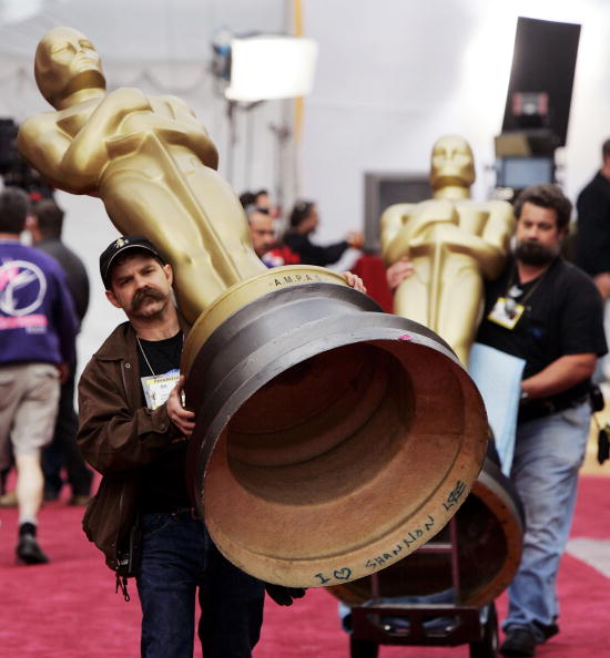 Carrying「The Kodak Theatre Prepares For The Oscars」:写真・画像(10)[壁紙.com]