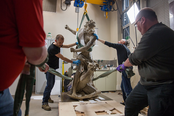 Technician「Preparations To Move The Statue Of Neptune To A New Gallery」:写真・画像(7)[壁紙.com]