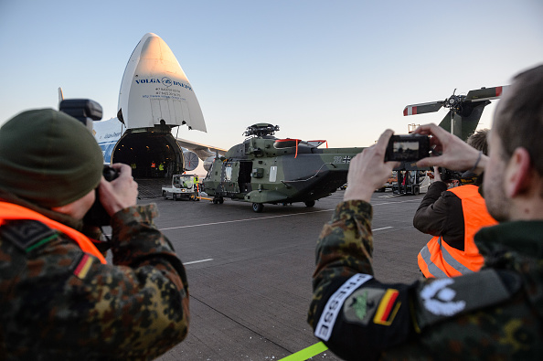 Politics and Government「Bundeswehr Sends Helicopters To Mali」:写真・画像(0)[壁紙.com]