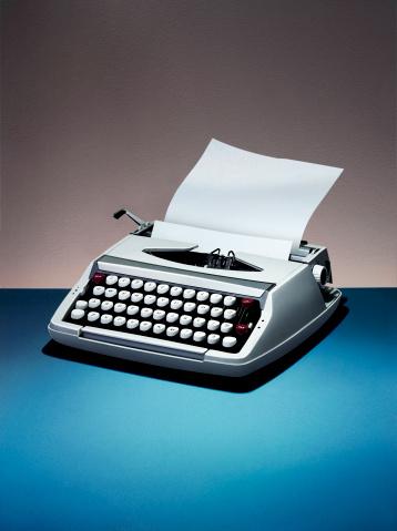 Storytelling「A retro typewriter」:スマホ壁紙(15)