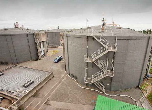 Efficiency「Biodigesters at United Utilities Daveyhulme plant which process's all of Manchester sewage and deals with 714 million litres a day. The sewage sludge from the plant is put in huge biodigesters which produce biogas from the human waste. This biogas is 70%」:写真・画像(16)[壁紙.com]