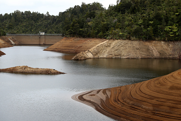 Environment「Water Restrictions To Come Into Effect As Auckland Dam Levels Drop Below 50 Per Cent」:写真・画像(5)[壁紙.com]
