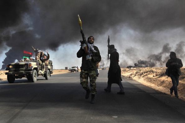 War「Opposition Rebels Battle Gaddafi Forces In Eastern Libya」:写真・画像(18)[壁紙.com]