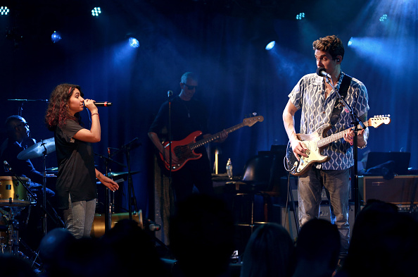 Bud「John Mayer Performs For Bud Light's Dive Bar Tour At The Echoplex In Los Angeles」:写真・画像(17)[壁紙.com]