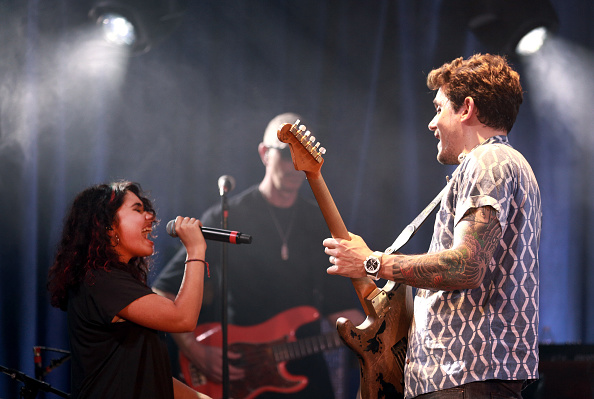 Rich Fury「John Mayer Performs For Bud Light's Dive Bar Tour At The Echoplex In Los Angeles」:写真・画像(5)[壁紙.com]